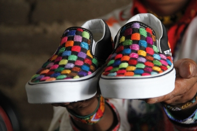 vans-vault-mexicos-huichol-tribe-capsule-hand-crafted-sneakers-2[1]