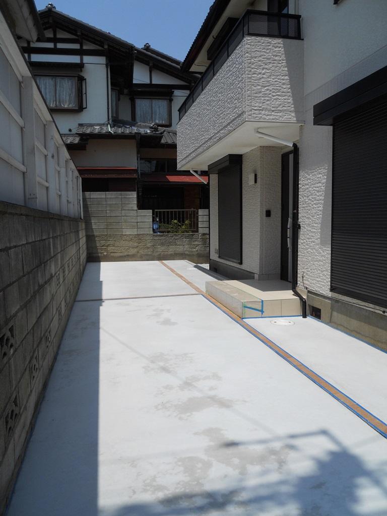 izumigaoka_parking1.jpg
