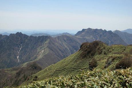 桑瀬峠からの縦走路