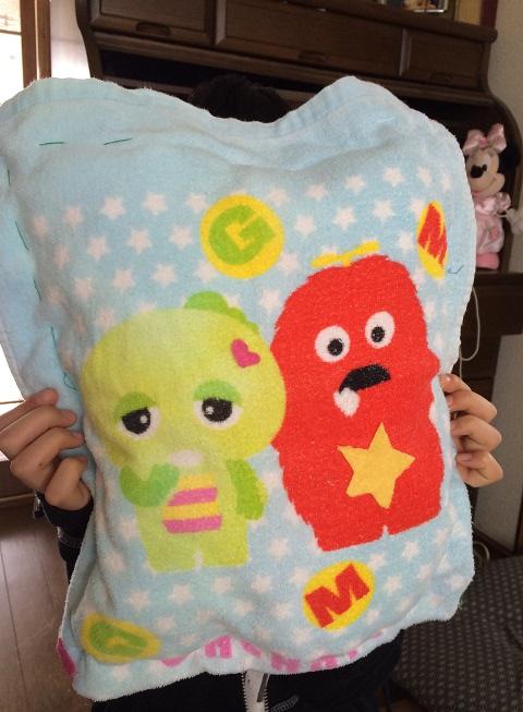 20140225娘が枕縫う①