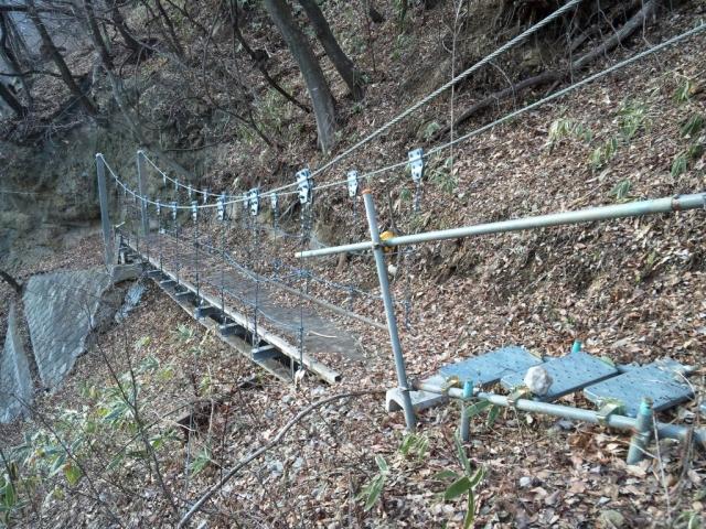 繰矢川沿いの吊橋 (2)