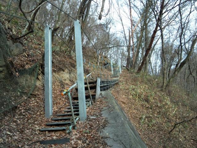 繰矢川沿いの吊橋 (6)