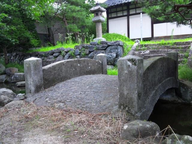 廣野邊神社の石橋 (2)