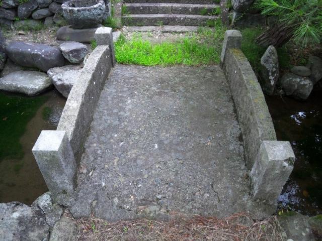廣野邊神社の石橋 (3)