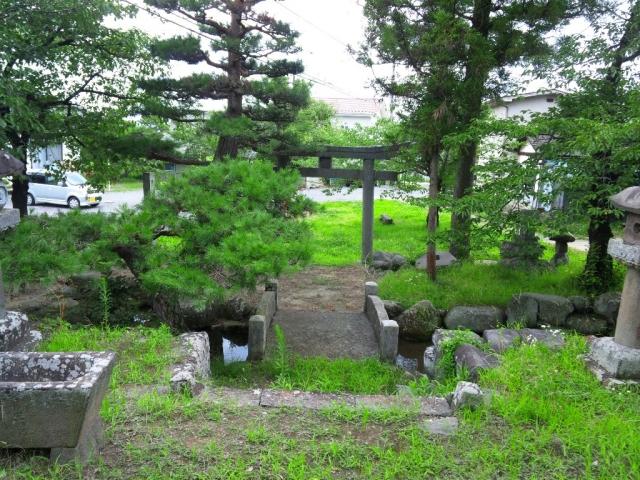 廣野邊神社の石橋 (6)