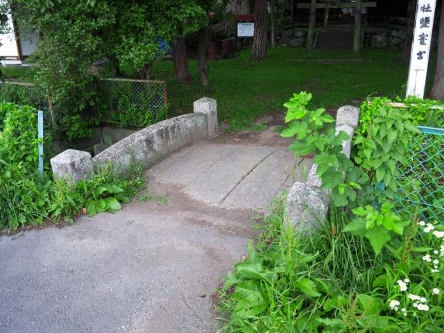 出早雄神社の参道橋 (3)