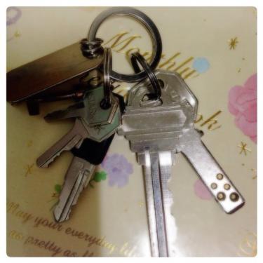 お部屋を退室する際、鍵の返却は確実に。