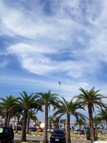 雨と予報に出ていた石垣島も島らしい夏の空^^