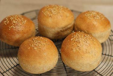 卵乳不使用の全粒粉ハンバーガーバンズ
