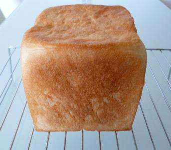 高級食パン「あきお」