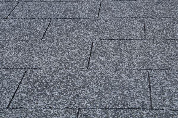 石畳と見せかけてタダの舗装