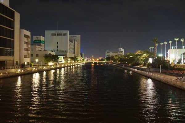 夜の川も乙なものです
