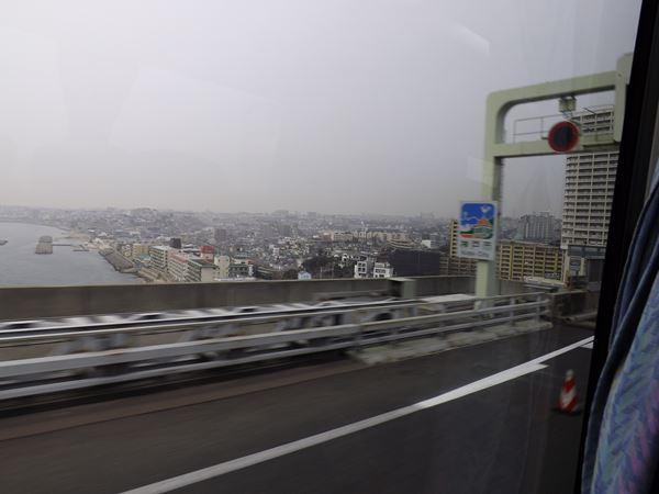 神戸市に突入