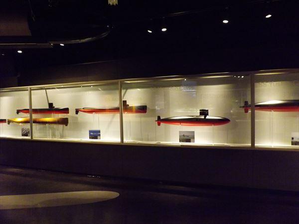 潜水艦模型群