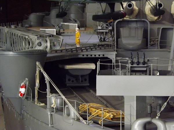 短艇収納庫