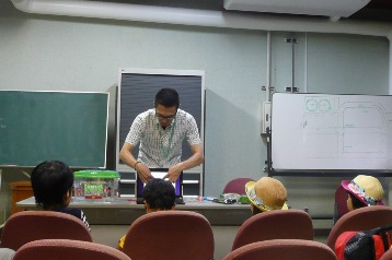 20140809カブトムシの育て方教室 (3)