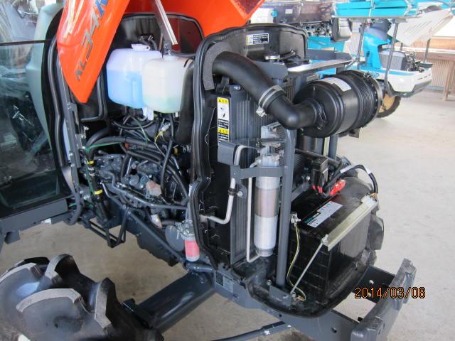 トラクタのエンジン部分