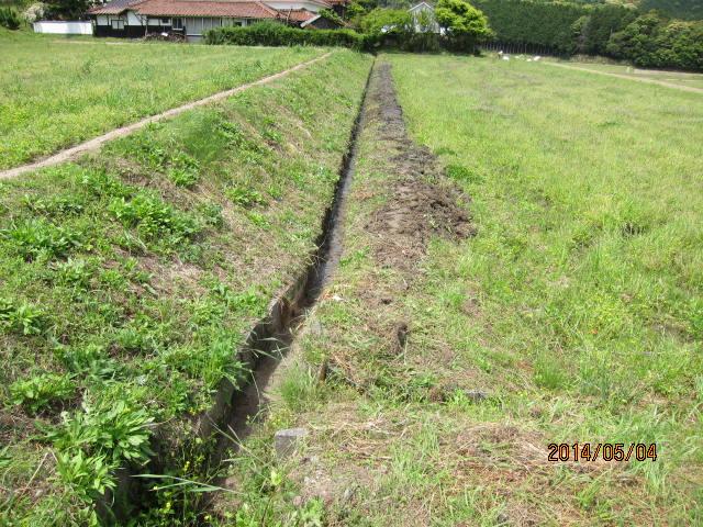 溝が埋まった水路