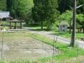 160502童仙房ないおん寺前の簡易トイレと休憩所