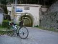 140329早朝の老ノ坂トンネル