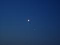140426夜明け近く、月と金星