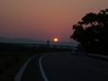 140426御幸橋の向こうから赤い朝日が昇る