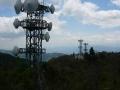 140501竜王山。山頂展望台から鉄塔群
