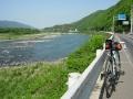 140502県道12号と吉野川とBianchi