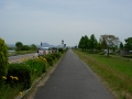 140524湖岸道路沿いの自転車歩行者道を進む1