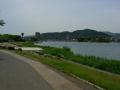 140524湖岸道路沿いの自転車歩行者道を進む3、瀬田唐橋