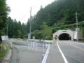 140830京北トンネル周山側と周山街道旧道