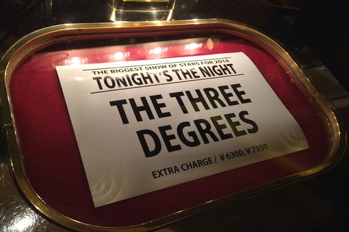014-THREEDEGREES.jpg