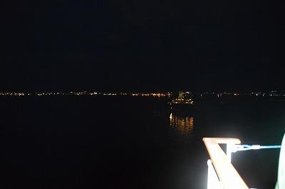 舟からの夜景