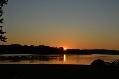 網走湖に沈む夕日