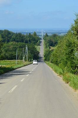 地平線まで続く道