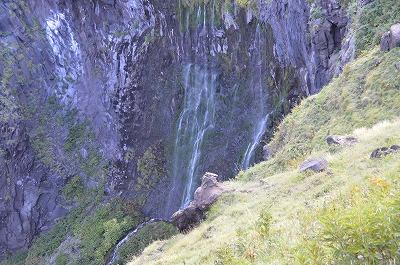 フシペの滝