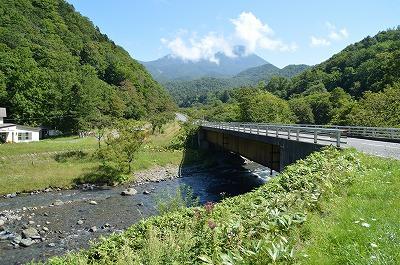 知床五湖への道