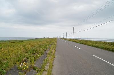 野付半島の道