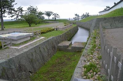 外堀と砲台