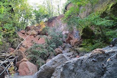 苔の洞門…跡