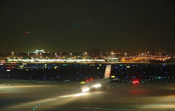 羽田 夜09