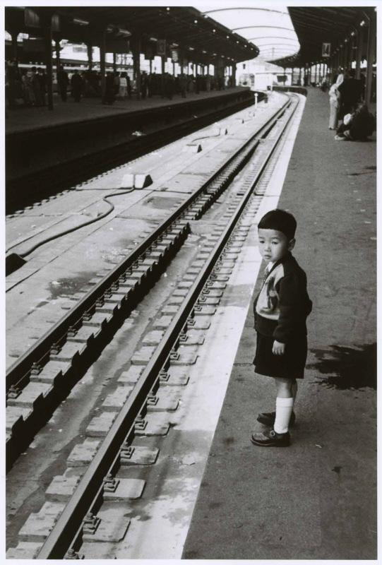 Japanese children by Robert Capa 1954