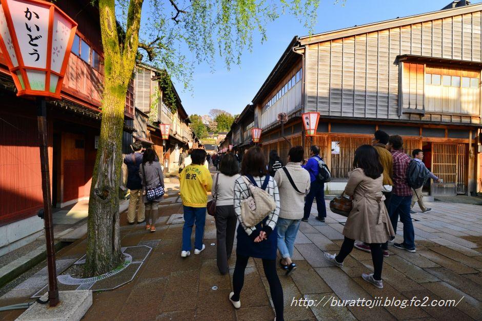 2014.04.12ひがし茶屋街の桜1