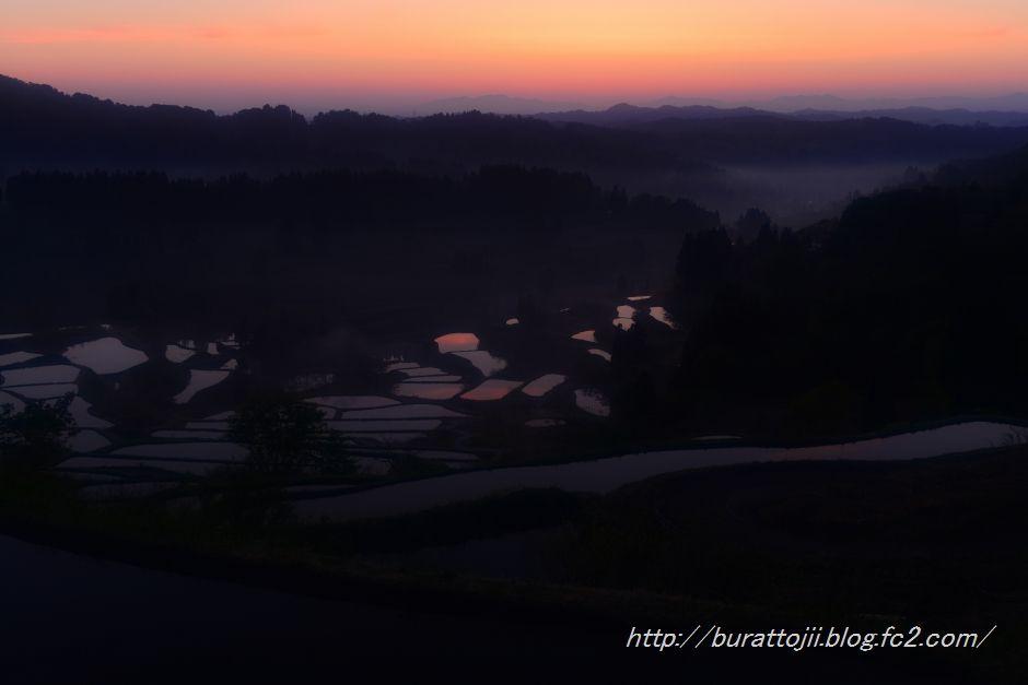 2014.05.11.04.26星峠の夜明け1