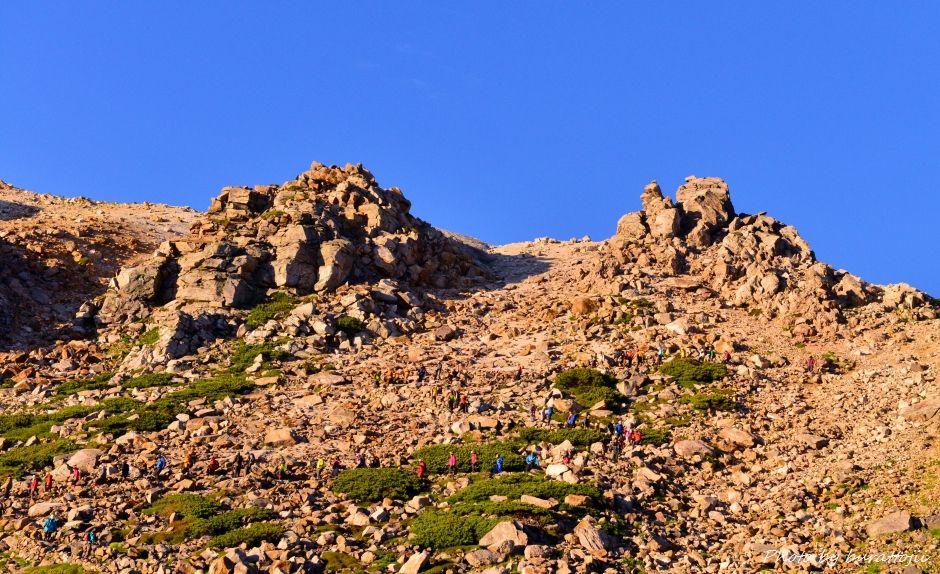 2014.07.29お池めぐりコース4御宝庫と登山者の行列