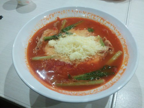 太陽のトマト麺