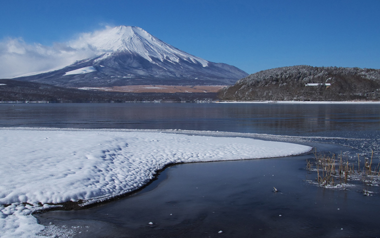 山中湖の新雪-909-2