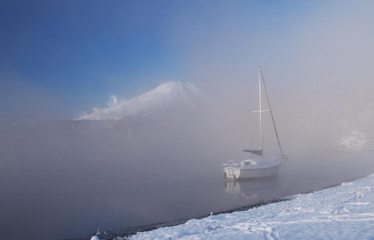 山中湖の新雪-780-1