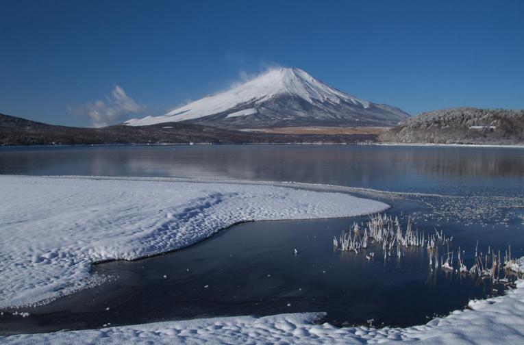 山中湖の新雪-822-1