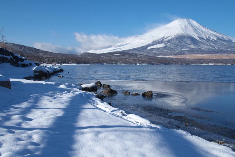 山中湖の新雪-845-1
